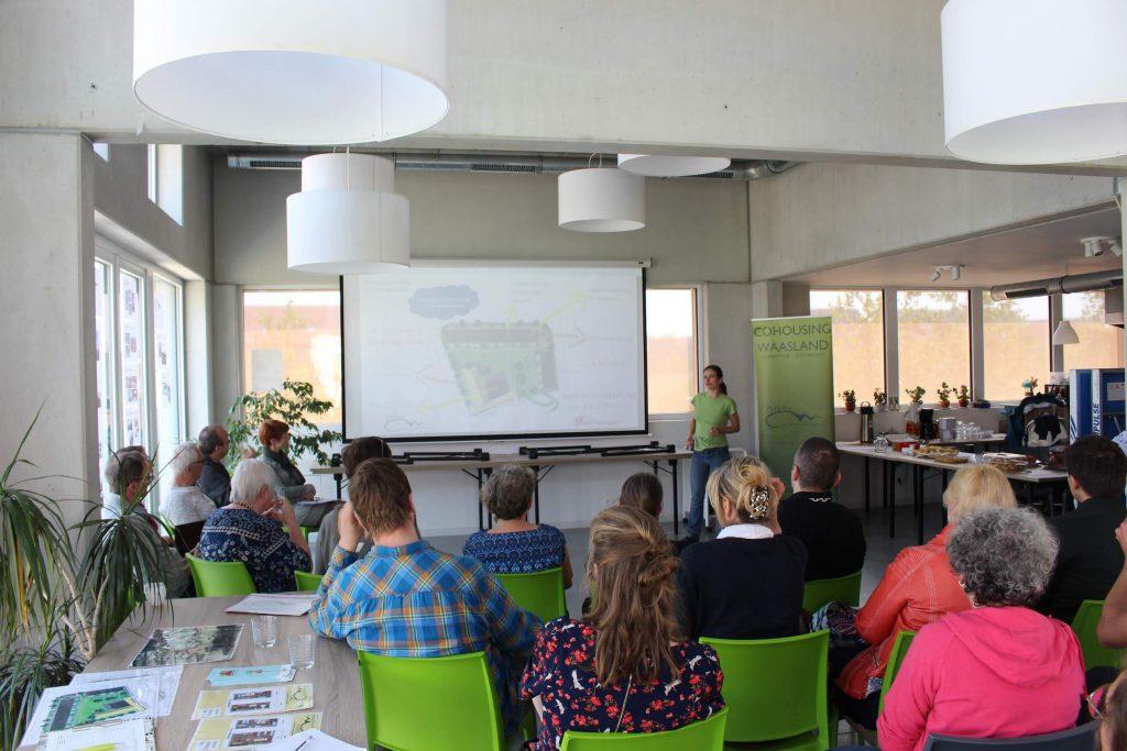 Presentatie Cohousing Waasland in het gemeenschappelijke paviljoen
